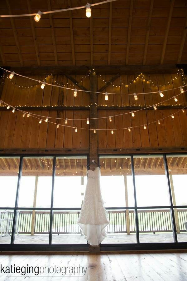 simple yet elegant lighting! Available at your Pittsburgh area wedding with the help of Calla Event, Design. and Travel! Pennsylvania Weddings.  Get more info at http://callaeventdesign.squarespace.com