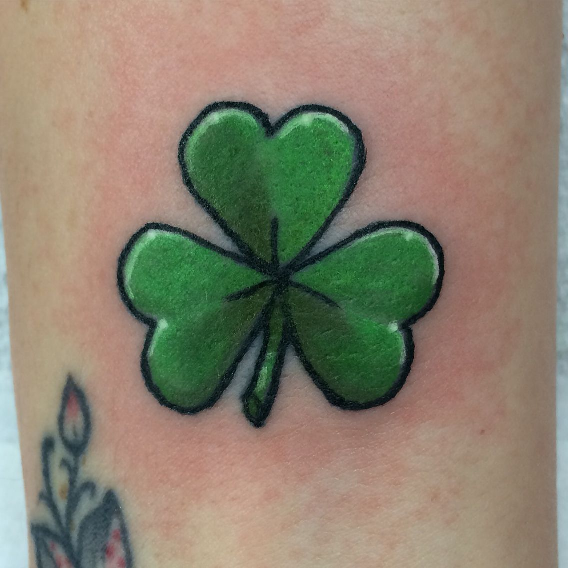 Shamrock tattoo tattoos pinterest shamrock tattoos for Clover tattoo meaning