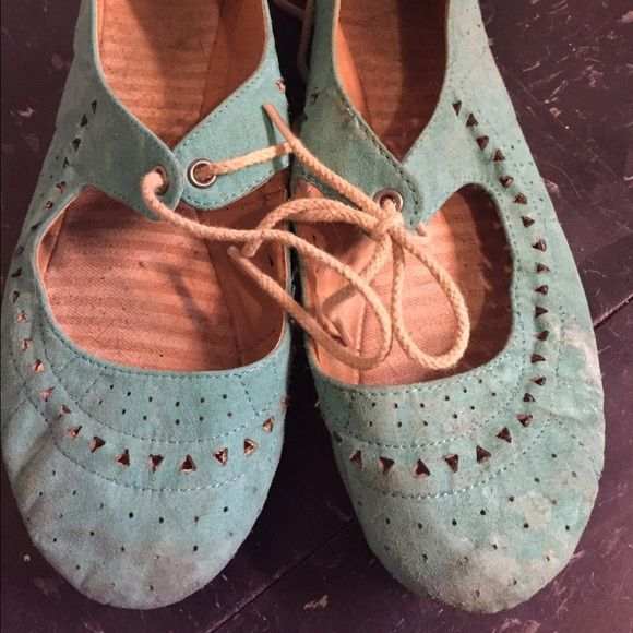 Adorable teal flats Worn, but still have a lot of life! Perfect for summer weather--completes a summer dress look it also adorable paired with nautical stripes. Shoes Flats & Loafers