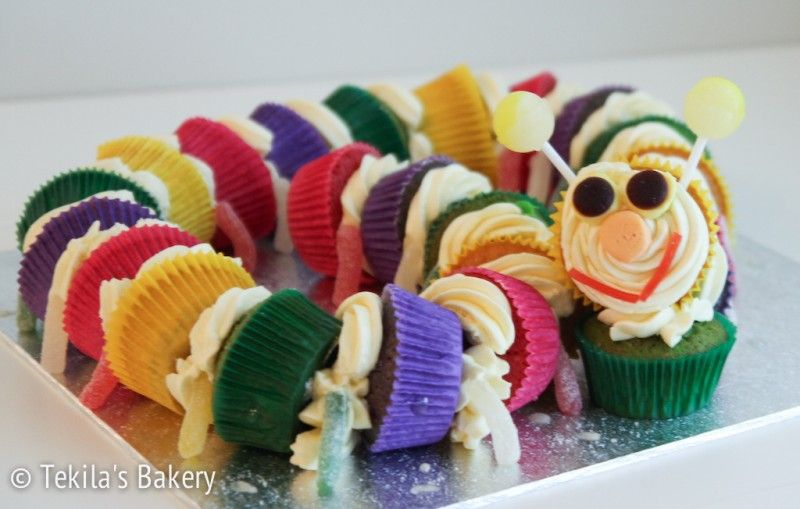 Muffin worm, muffins with candyes,