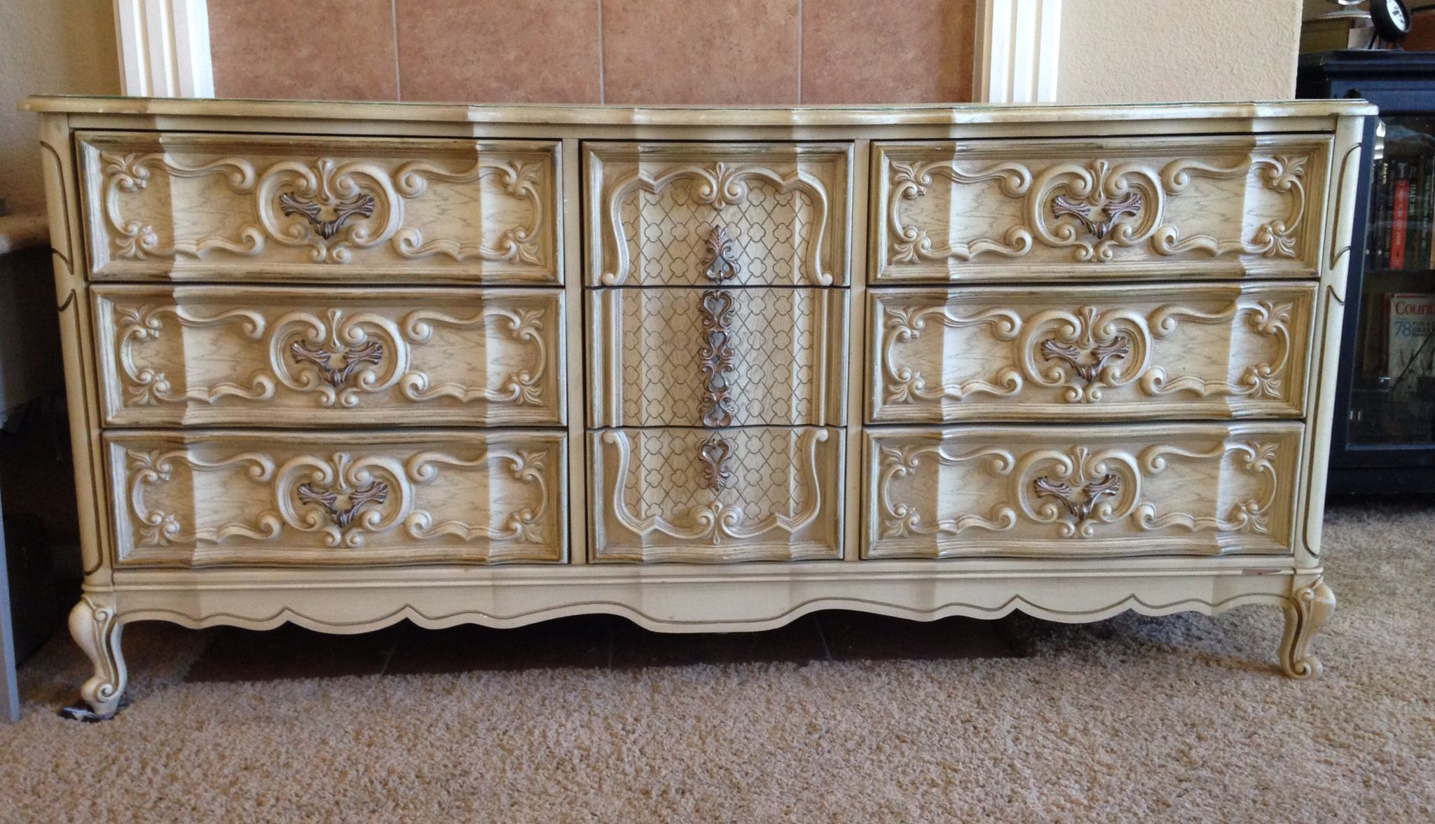 Vintage Quot Bassett Quot Ornate French Provencial Dresser Before