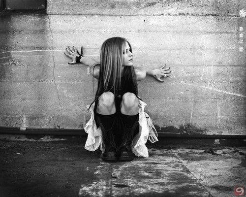 Avril Lavigne Under My Skin Album Promoshoot