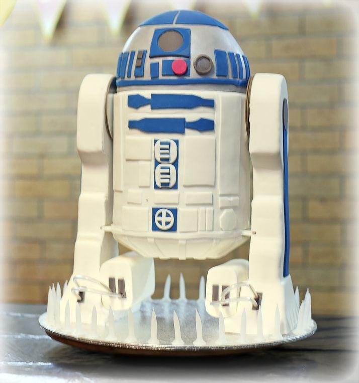 Awesome R2 D2 Cake Tolle Kuchen Leckereien Star Wars Torte