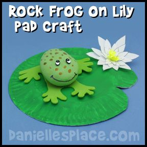 Frog on lily pad rock craft from for Frog crafts for preschoolers
