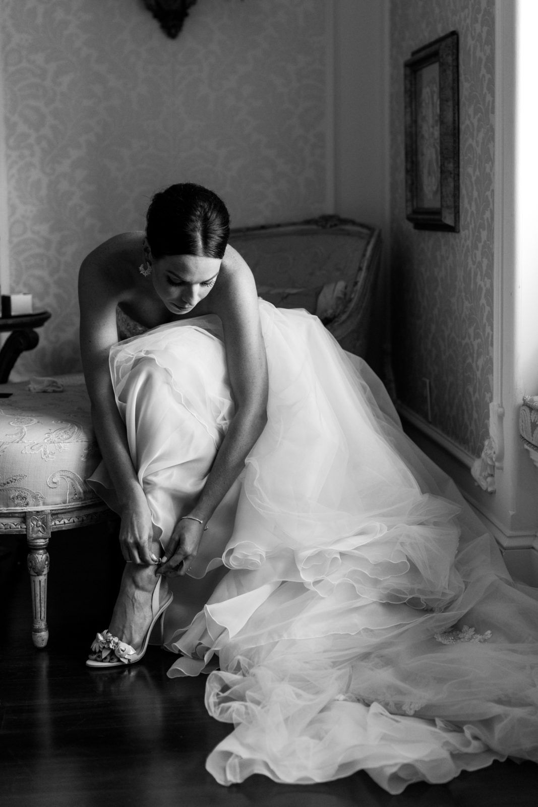 Black and white wedding photography bride getting ready bride details vanessa joy photography