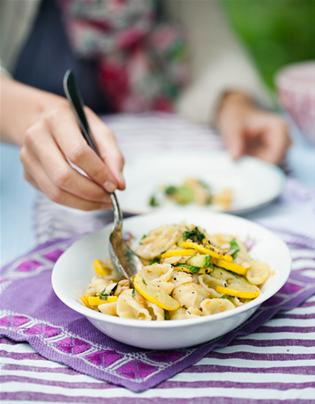 Biancas pasta med squasch och mandel - klimatmat.se