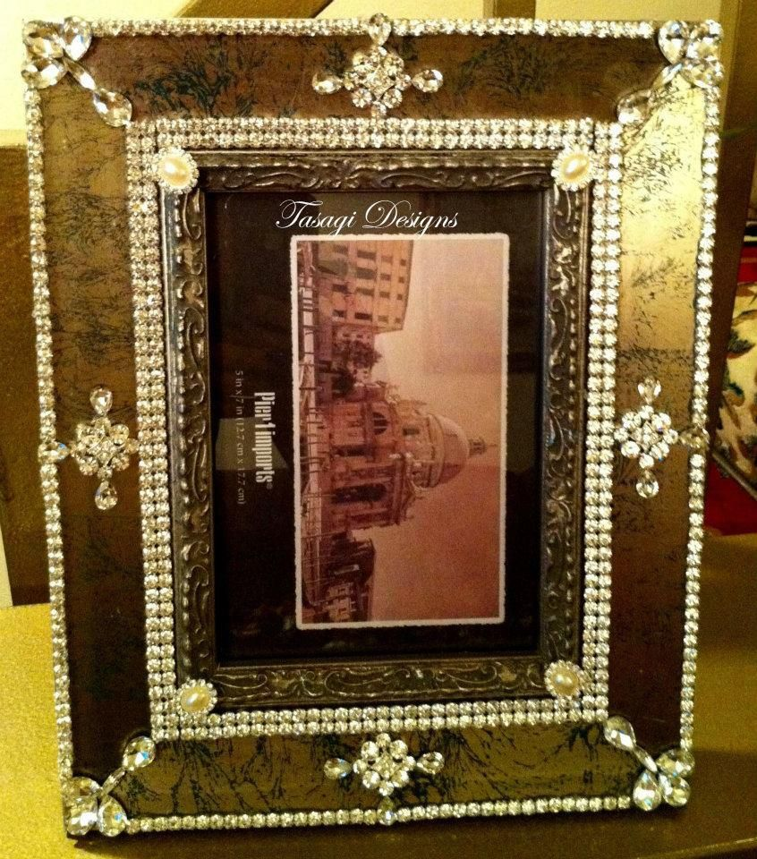 Crystallized picture frames with swarovski crystal elements and a crystallized picture frames with swarovski crystal elements and a unique design call us for your jeuxipadfo Images