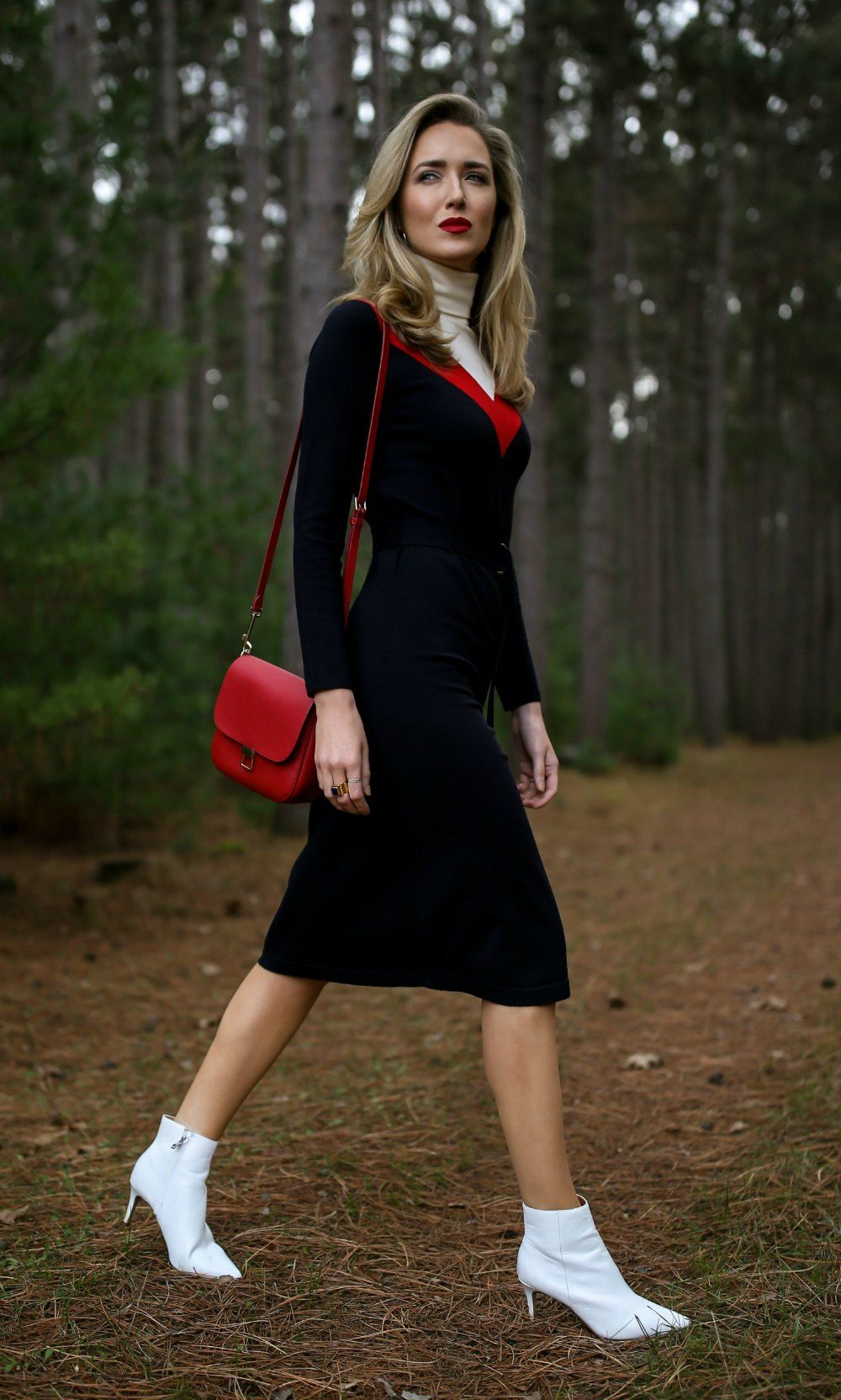 30 Dresses In 30 Days Ski Trip Turtleneck Sweater Midi Dress White Leather Ankle Boots Red Leather Cross Body Blogger Style Winter Fashion Blogger Dress [ 1664 x 1000 Pixel ]