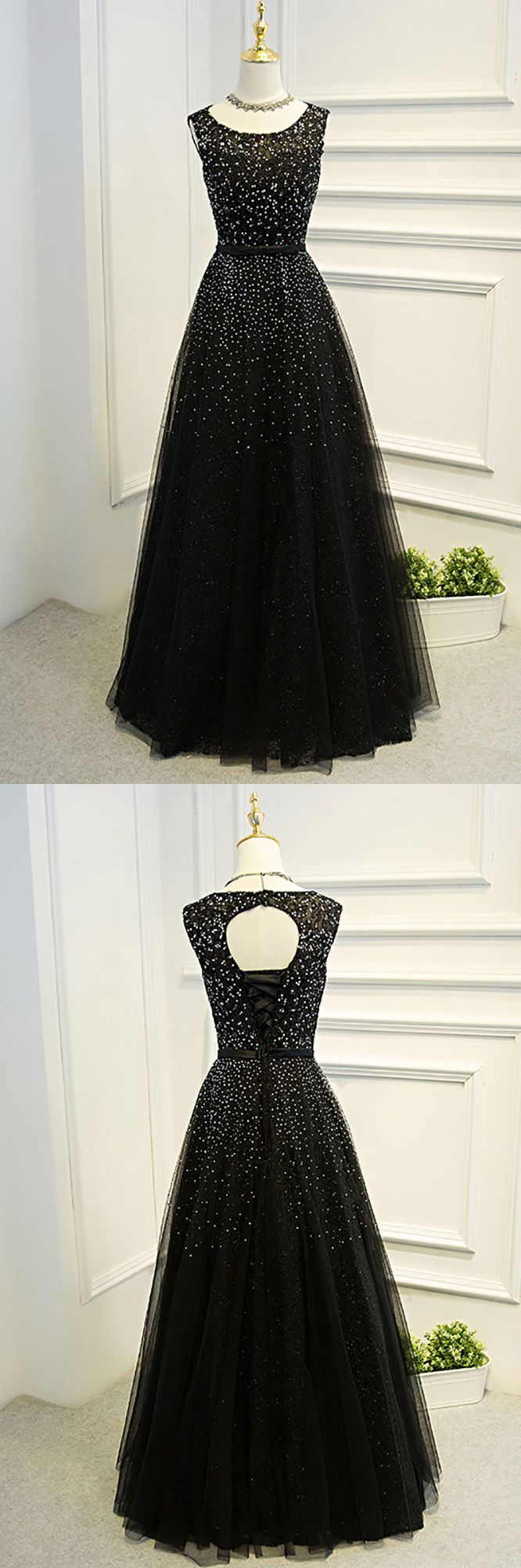 Sleeveless beaded long black ballgown prom dress with bling