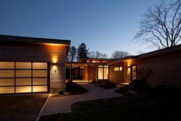 Good Lighting Detached Garage With Covered Walkway Custom Garage Doors Modern Exterior House Exterior Modern Renovation