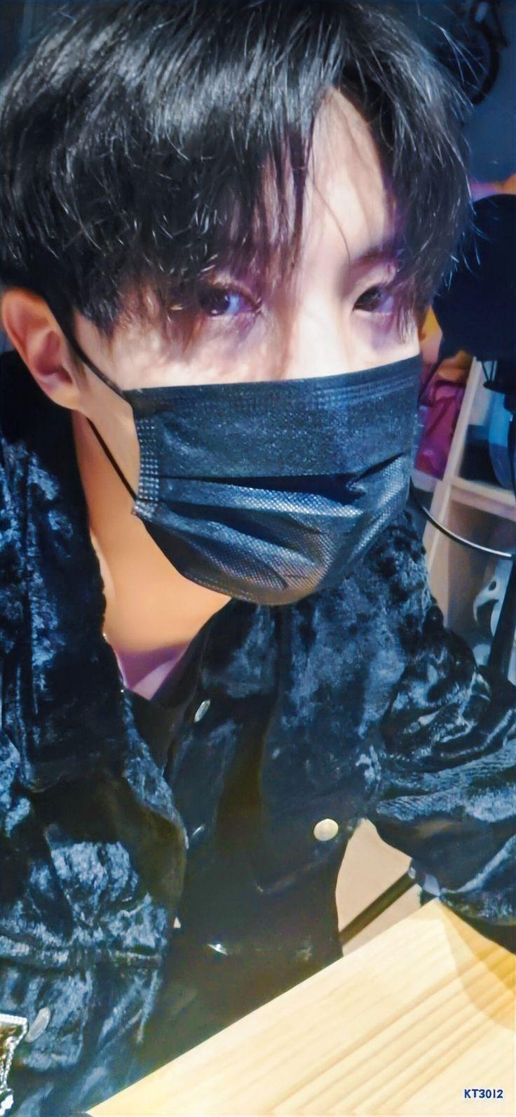 Pin de Park Jimin 13 🍓 em JHOPE ♡ em 2020 Rapper, Jung