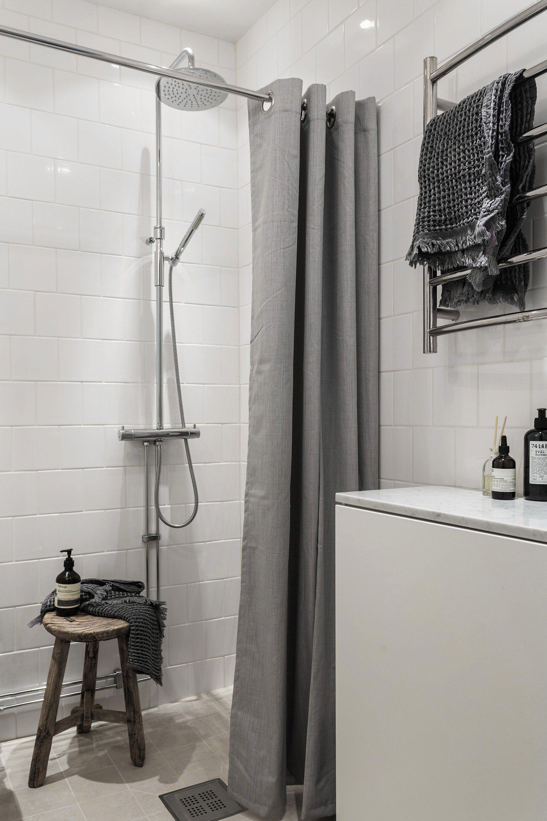 Un Petit Appartement Tout Blanc From Decocrush Fr Pinterest