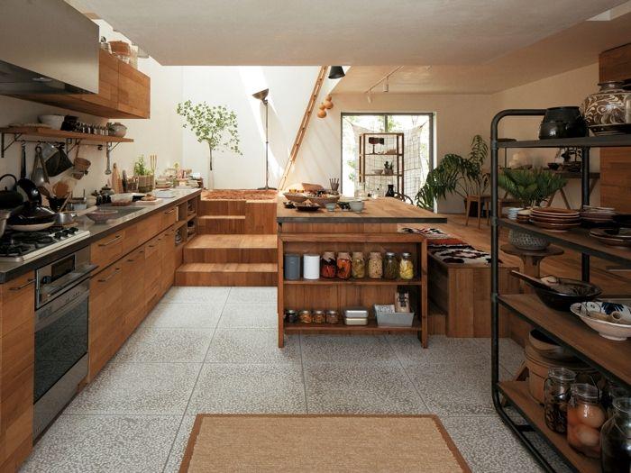 土間にキッチンを置くと 油汚れ等 キッチンならではの汚れをこまめにデッキブラシで洗い流すことができます いつまでもきれいなキッチンを保てますよ リビング キッチン リノベーション キッチン 和のインテリア