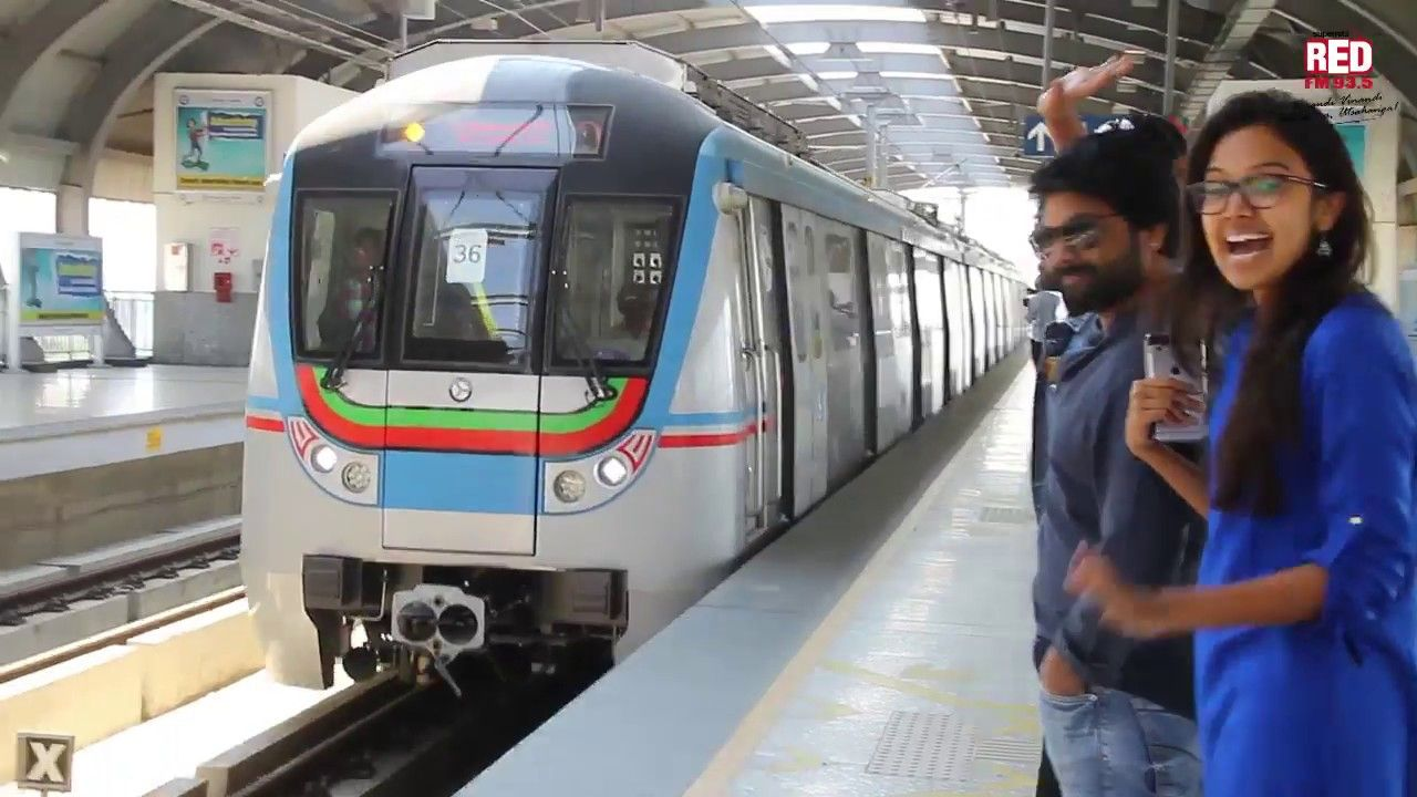 Metro train in Hyderabad   Tour with Red FM RJs ...