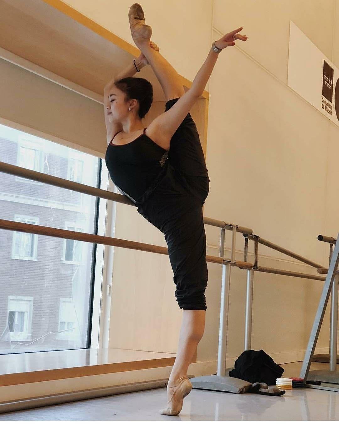 ударной реальная съемка тренировки балерины самом