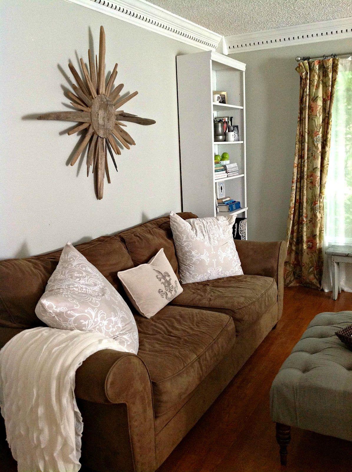 Artsy Living Room: Driftwood Sunburst...or My Compass Theme...