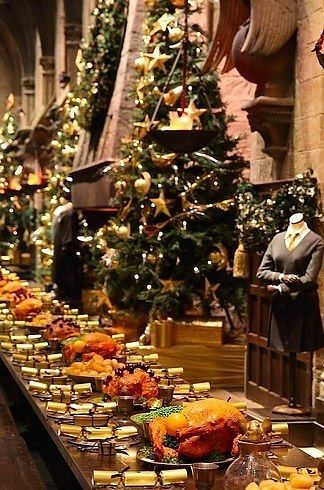 Christmas Dinner In The Great Hall At Hogwarts 2020 Some Lucky People Are Having Christmas Dinner In The Great Hall At