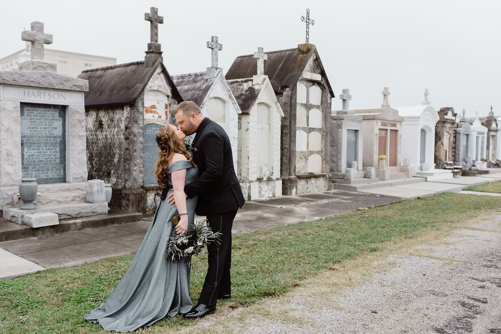 New Orleans Cemetery City Park Elopement Wedding In New Orleans City Park New Orleans New Orleans Cemeteries New Orleans Elopement
