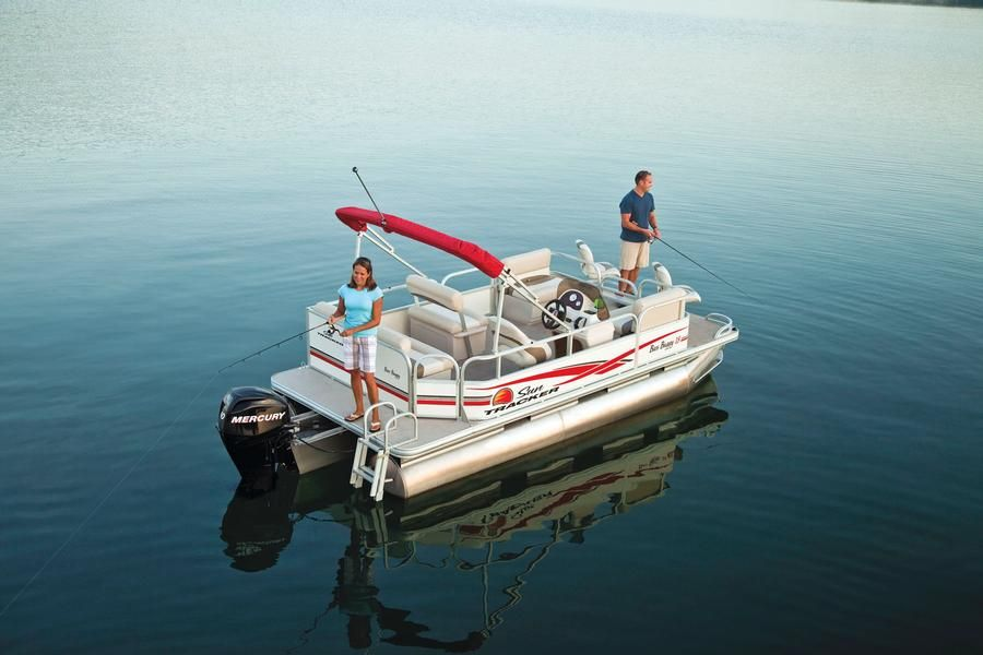 Sun tracker boats classic pontoons 2011 bass buggy 18 for Fishing deck boats