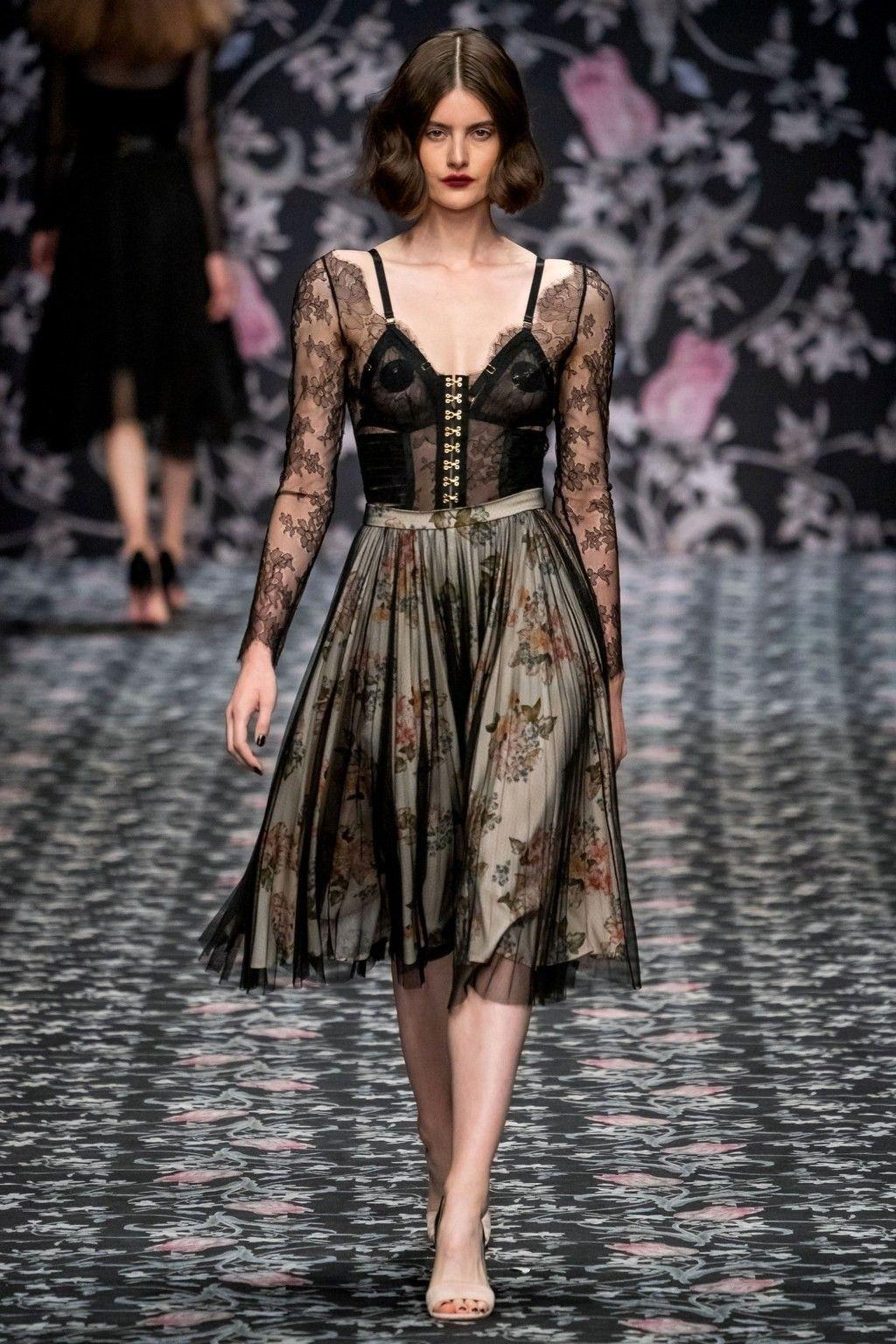 Lena Hoschek Berlin Frühjahr/Sommer 2020 - Fashion Shows ...
