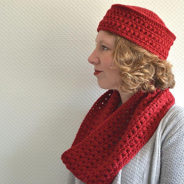 Paris Pillbox Hat & Cowl pattern by Susanne Visch
