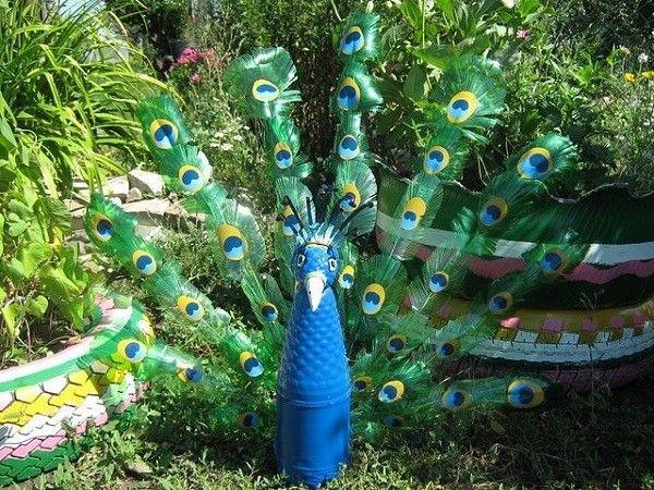 Envase plastico con pavorreal decoraci n pinterest - Como pintar botellas de plastico ...