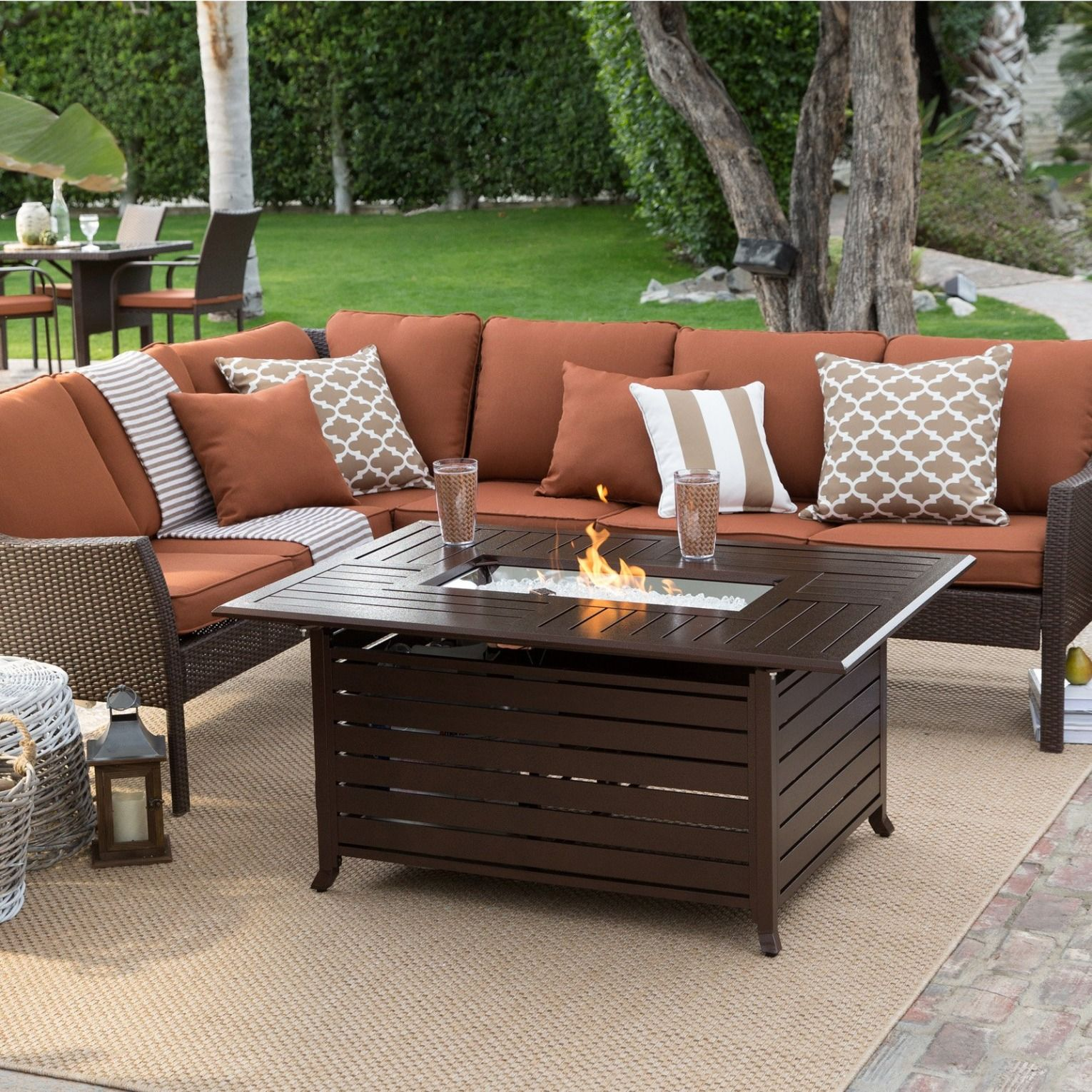 Best This Fire Pit Conversation Set Features A Fashion Forward 400 x 300
