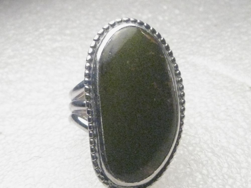Huge Sterling Silver Green Agate Southwestern Ring, sz. 9.5, 16.19 grams