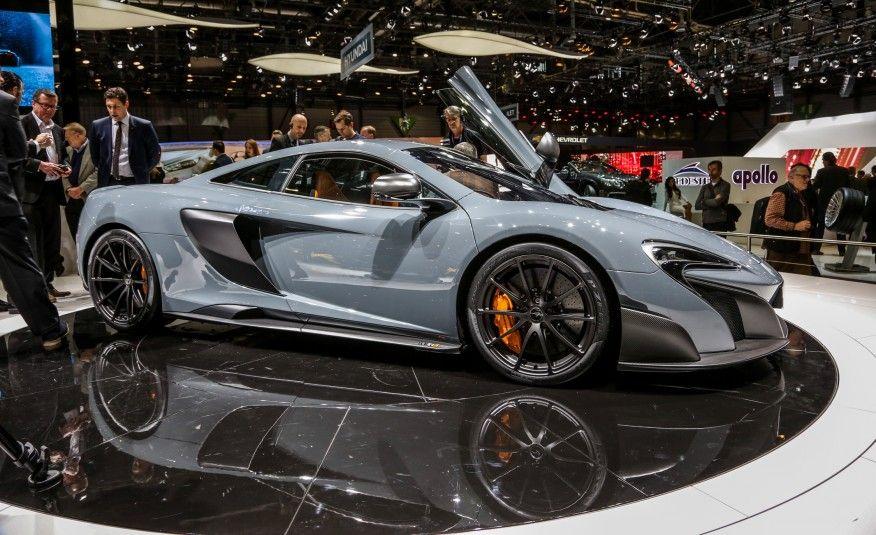 2016 McLaren 675LT: Más potencia, menos peso, más la cola - Galería de fotos de Fotos Oficiales y Datos de Car and Driver - Autos Imágenes - Car and Driver