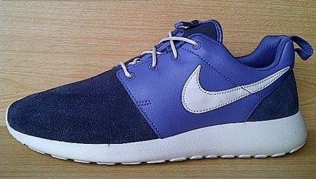 a48e08c4dd58 Kode Sepatu   Nike Roshe Run Premium Navy White Ukuran Sepatu   44 Harga    Rp. 700.000