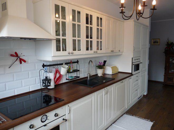 Wnętrza, Biała kuchnia  Galeria przedstawia kuchnię w   -> Kuchnia Prowansalska Meble Ikea