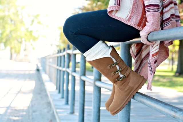Just hangin' out in the #BearpawJenna boots  ( by @BGbyChristina) How do you #livelifecomfortably? Let us know in the comments... Shop the Jenna: https://bearpaw.com/jenna #BearpawStyle