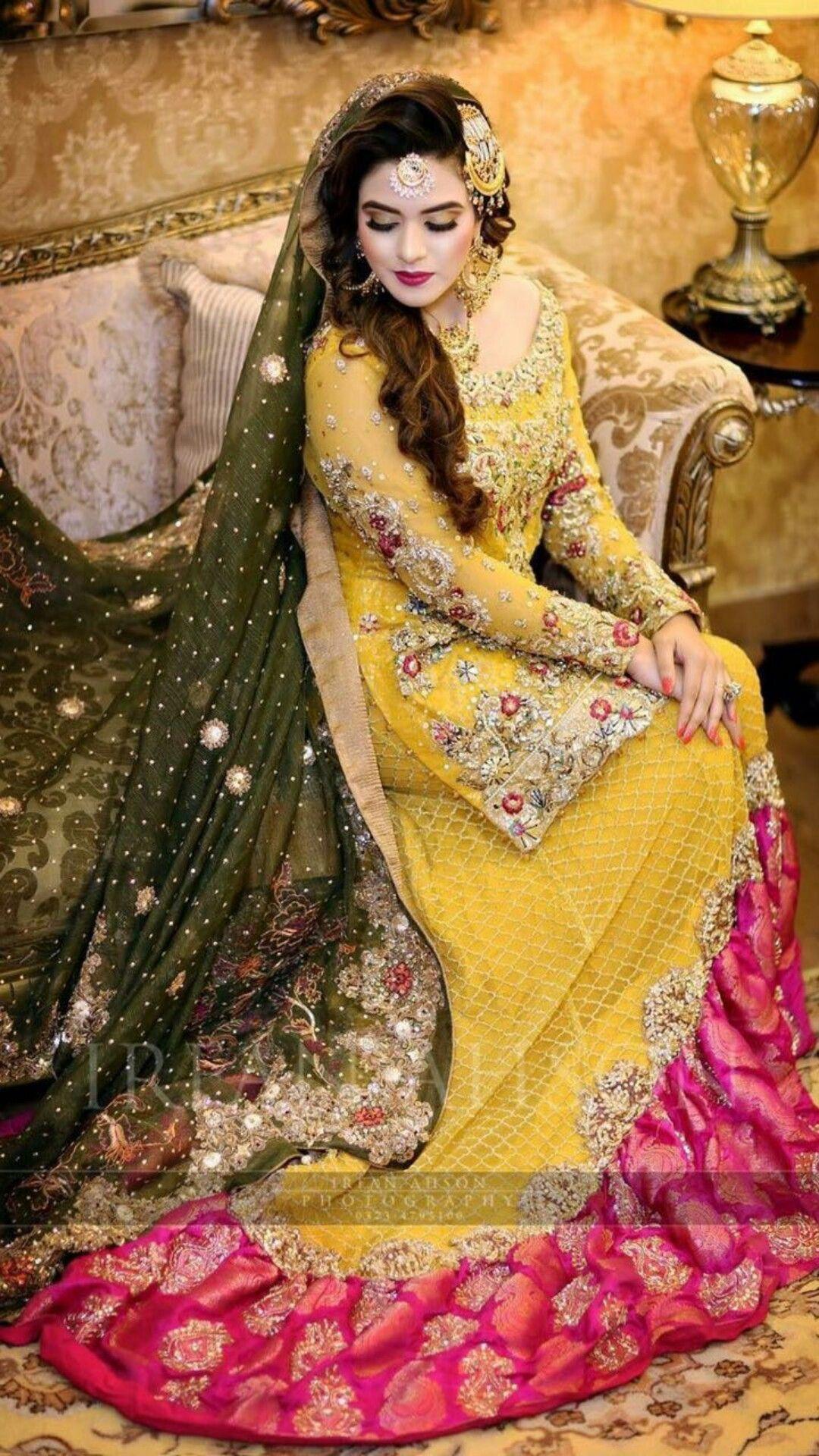 I love this Mayon dress Pakistani mehndi dress