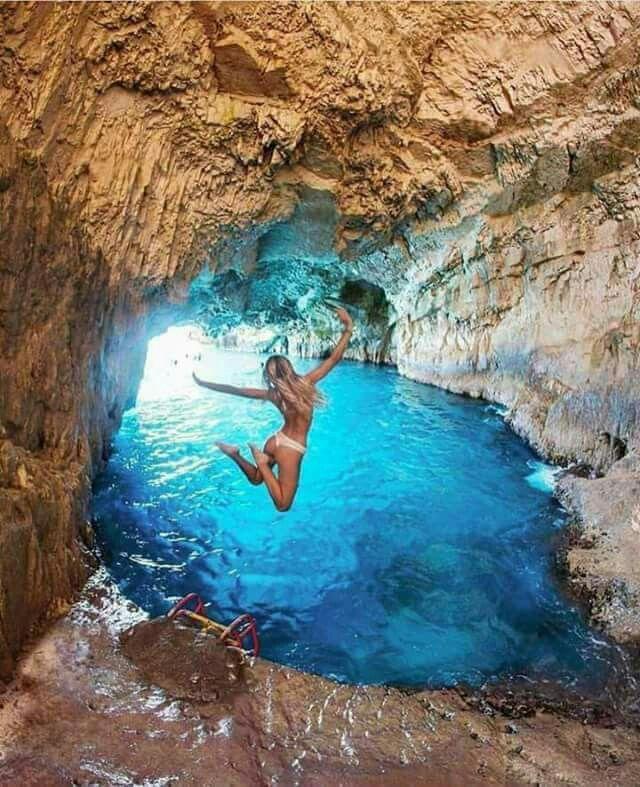 Blue Caves, #Zakynthos island, Ionian Sea, Greece #griechenland #lagune #urlaub #lifestyle #hosenschnecke #traveltogreece
