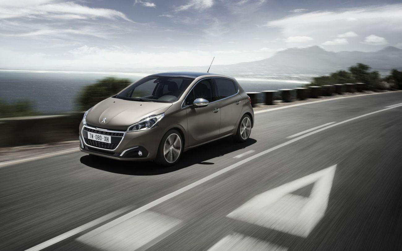 Peugeot 208 Restylee The Tariffs New Car Models 2019 Car Reviews Car Models Miniature Cars Peugeot Car Small Cars