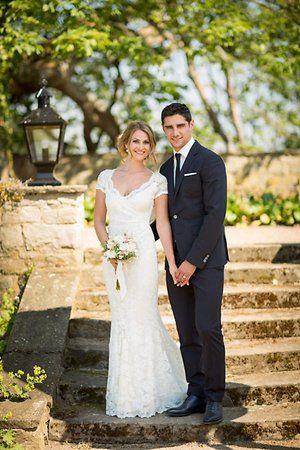 Lars Stindl Und Seine Tanita Feierten Eine Traum Hochzeit Kleid Hochzeit Brautkleid Armellos Spielerfrauen