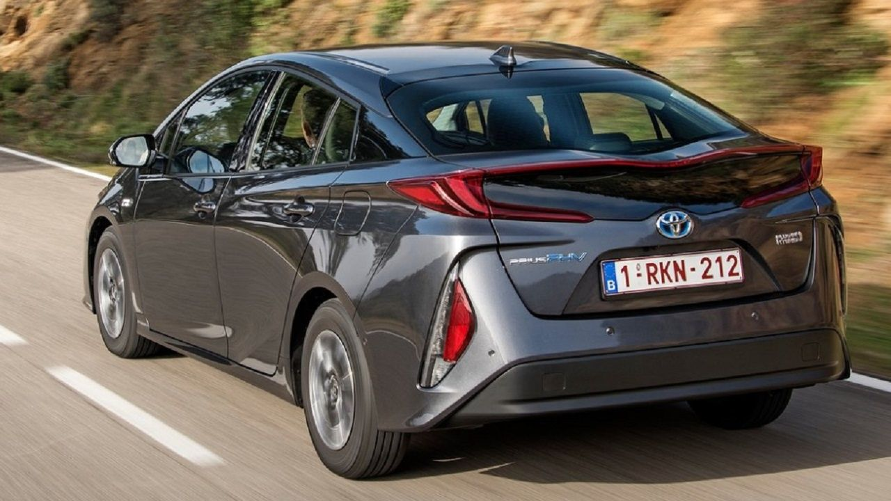 First Look 2018 Toyota Prius Plug In Hybrid Toyota Prius