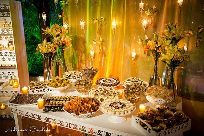 resultado de imagen para mesas de postres para bodas