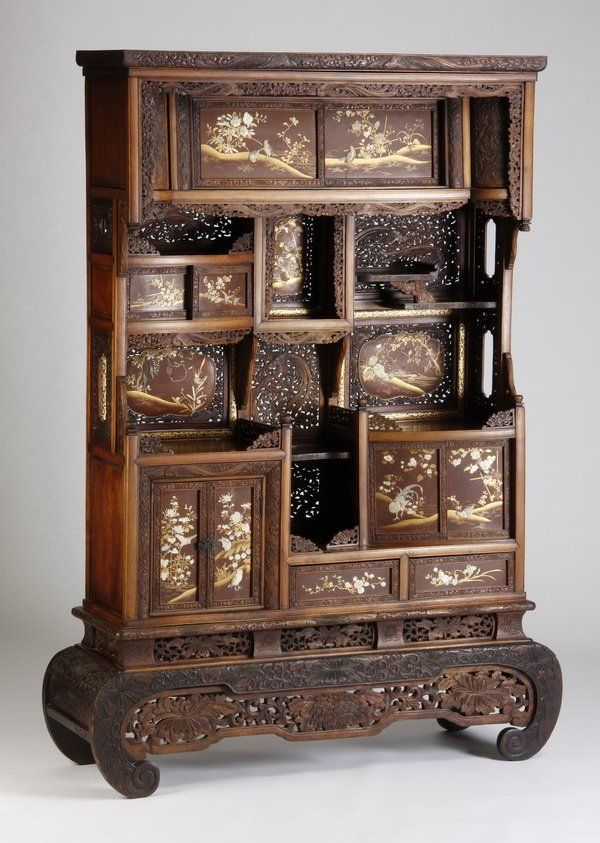 Afbeeldingsresultaat voor old japanese furniture - 19th Century Japanese Curio Cabinet With Carved Moulding And