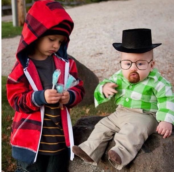 Oh my God! Seriously the cutest thing ever! Breaking Bad - creative halloween costumes ideas