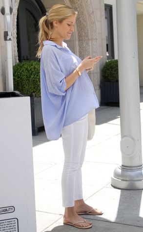 57e2e1b6505f9 kristen cavallari. cuute maternity style. and she's even gorgeous while  pregnant! she's perfect.