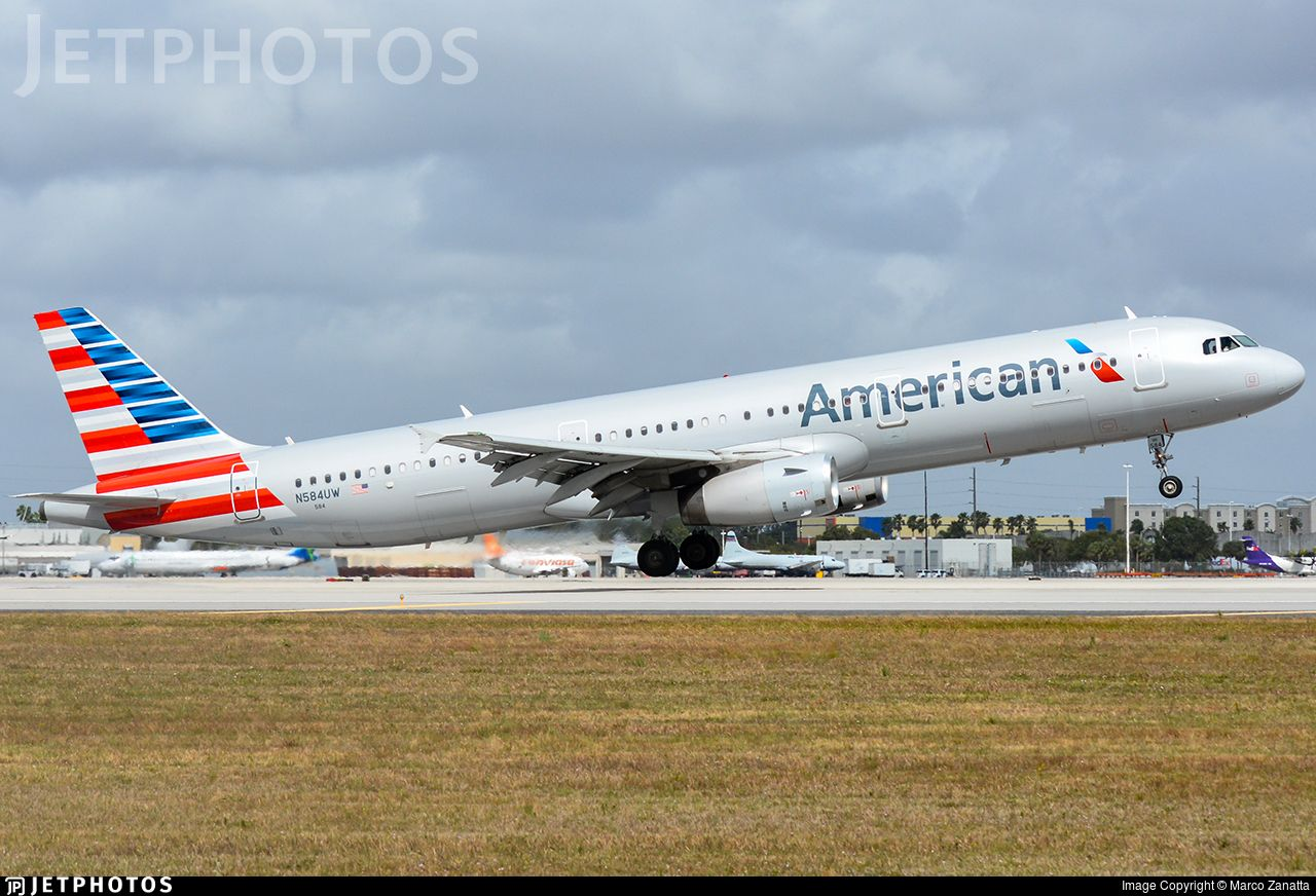 Airline American Airlines Registration N584UW Aircraft