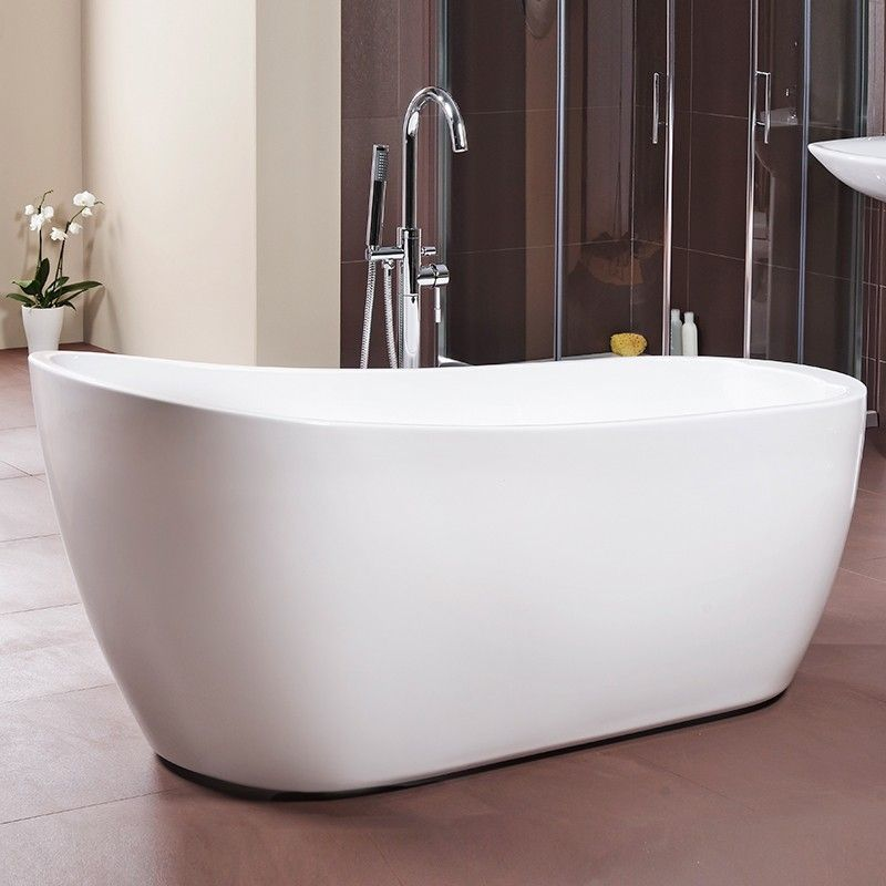 A luxury slipper bath with a contemporary twist on a classic ...