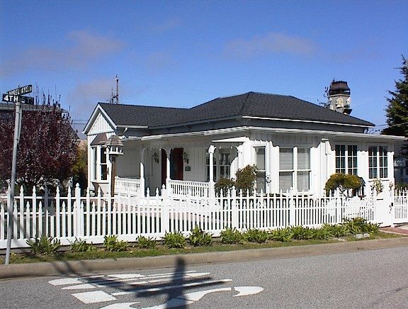 Reachoo.com - Free video classifieds - ad syndication > Housing > Vacation rentals | Victorian House (Monterey Bay) $100 2bd 1200sqft