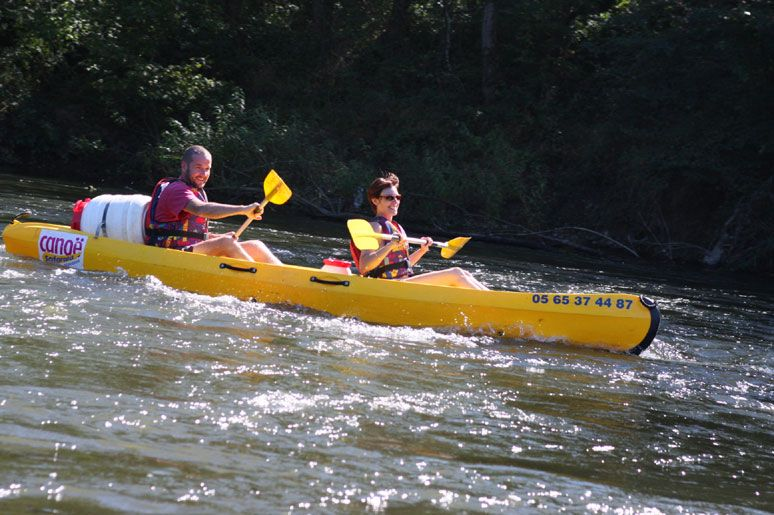 Canoe the Dordogne river - 1/2 day or Full Day rentals available.