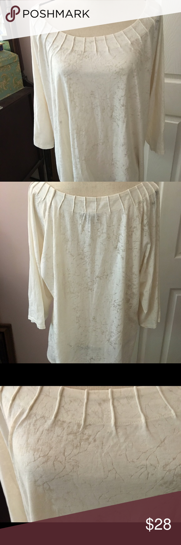 J.Jill cream top Pretty 3/4 sleeved top that's new without tags. The tag fell off as I was photographing it. This top has never been worn. J. Jill Tops Tees - Short Sleeve
