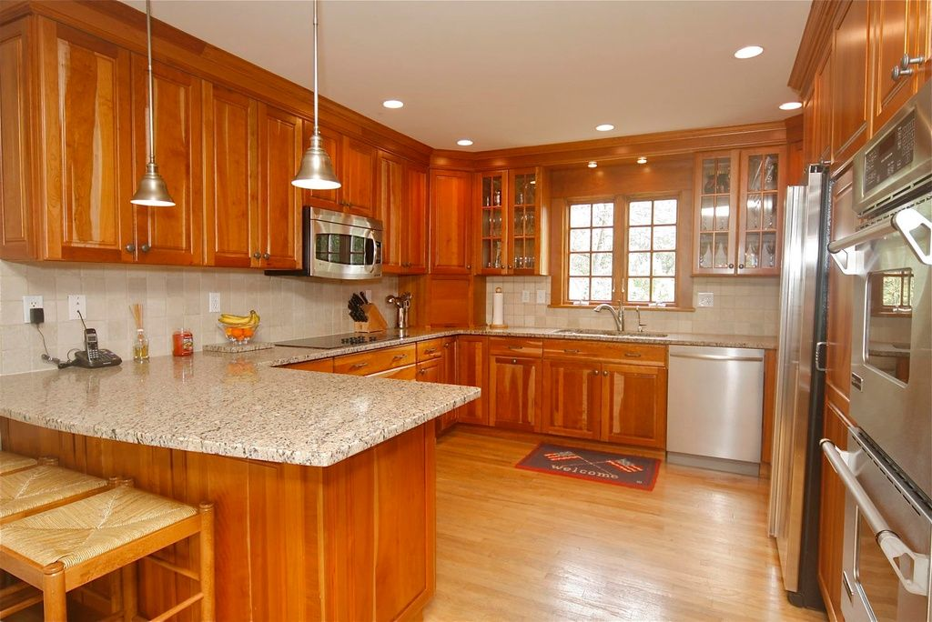 Best Traditional Kitchen With Simple Granite Counters Ms 640 x 480