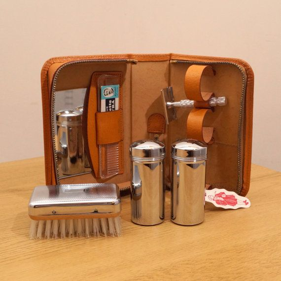 Vintage Traveling Grooming Set made in England  A by UKAmobile