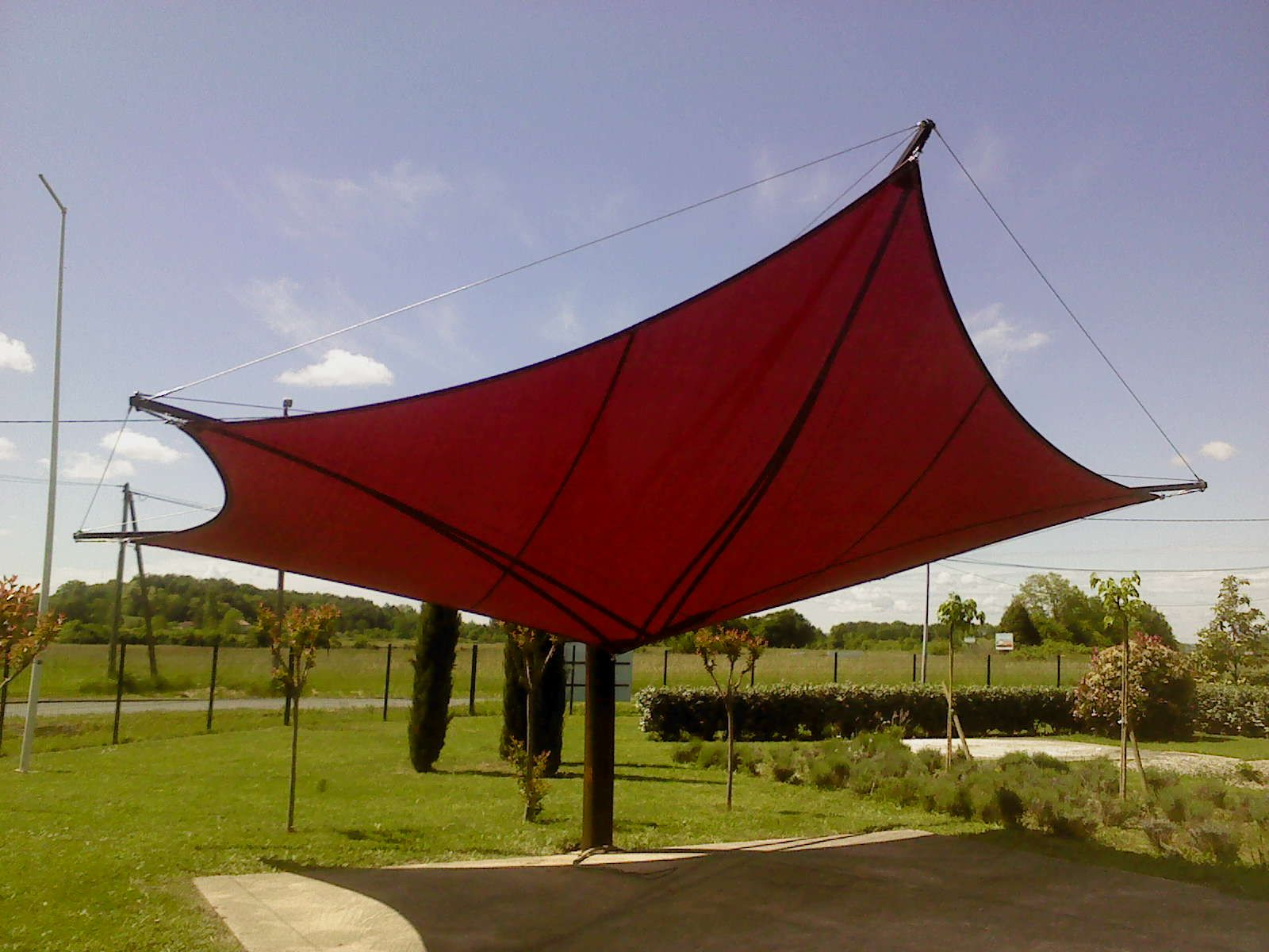 Tensile shade structure on one mast design build and installation by eurl tension suspension