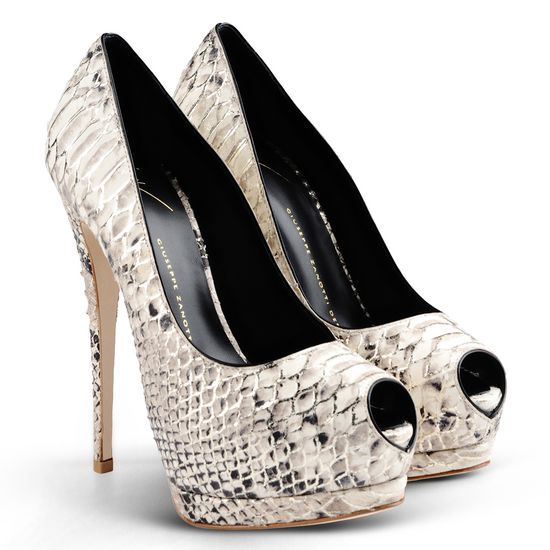 Pump - Shoes Giuseppe Zanotti Design Women on Giuseppe Zanotti Design Online Store @@NATION@@ - Spring-Summer collection for men and women. Worldwide delivery.| E56011001